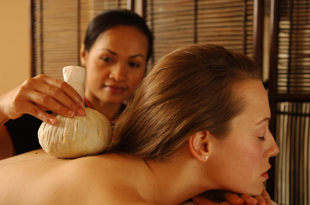 Thai Herbal Poultice Massage | SenSpa at Careys Manor